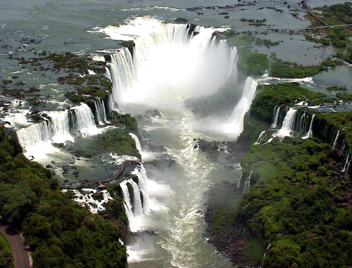 Festival de agua en las cataratas