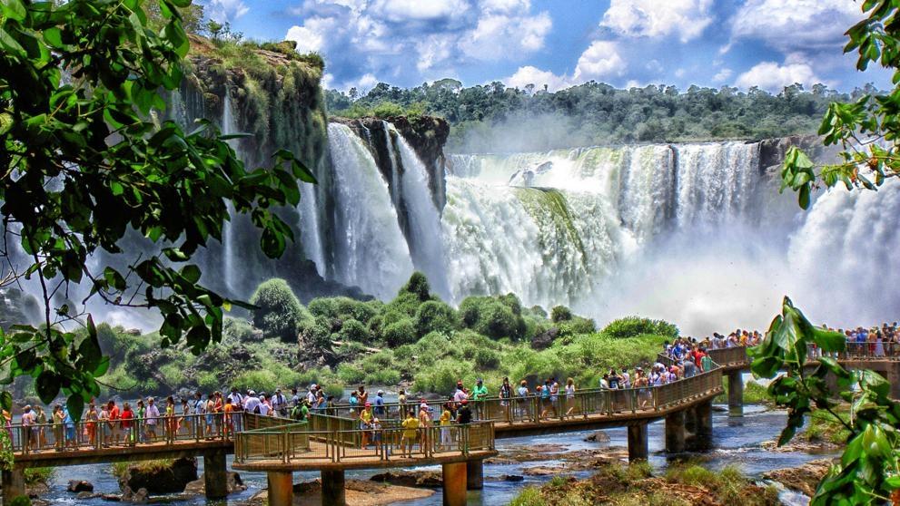 En invierno las cataratas del Iguazú son una fiesta