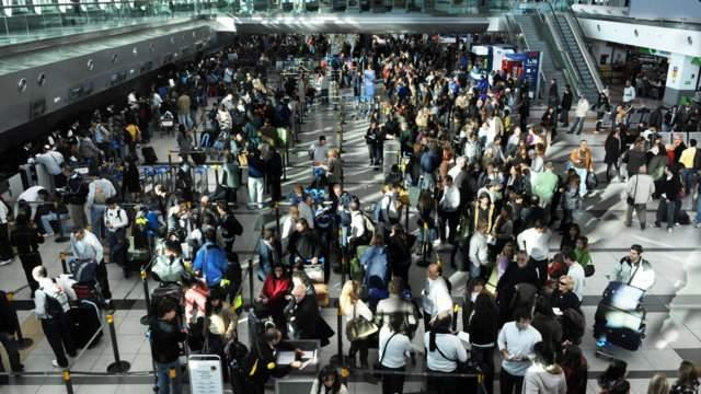 Cayó un nueve por ciento el arribo de turistas extranjeros vía aérea