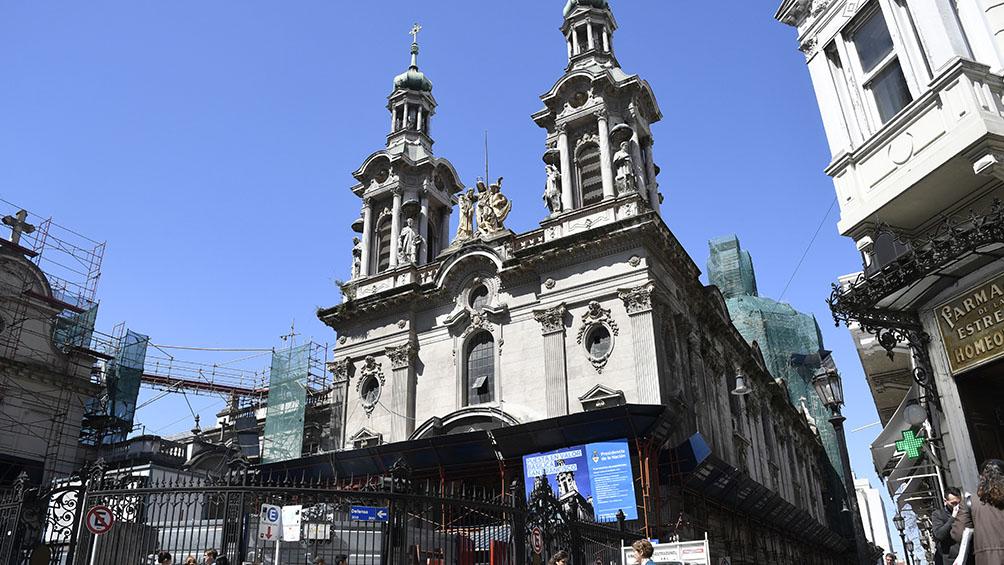 Restauran la Basílica más vieja del casco histórico porteño