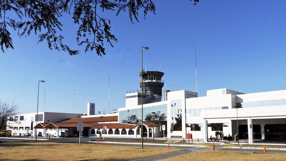El aeropuerto va a estar cerrado por obras veintiuno días entre abril y mayo, y los vuelos operarán desde Jujuy