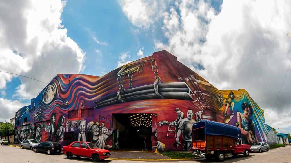 Los murales porteños tienen nuevos circuitos y atraen poco a poco más al turismo