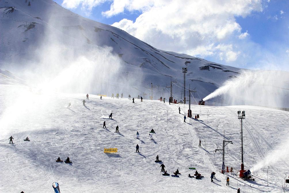 Las Leñas lanzó su temporada de invierno con mejoras en su complejo del sur de Mendoza