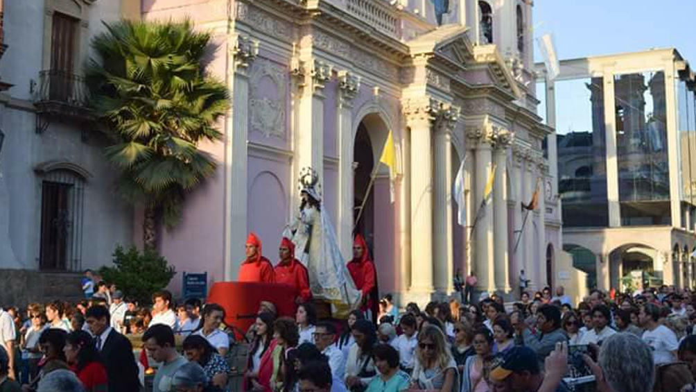La urbe capital presenta sus bellezas arquitectónicas a través de la música tradicional