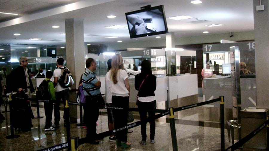 El arribo de turistas extranjeros medró un siete con cuatro  por ciento  en el mes de agosto