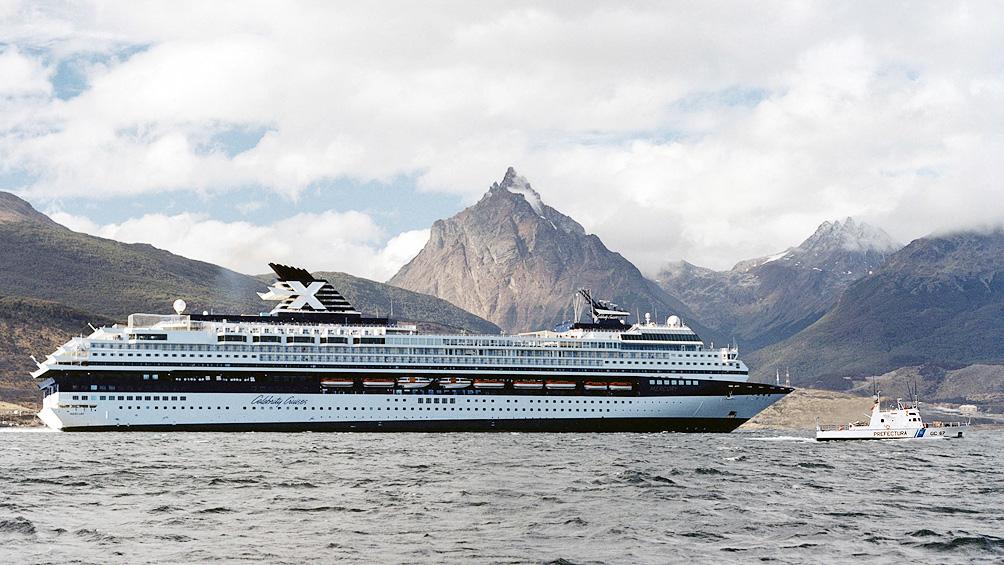 Ushuaia inauguró la temporada de cruceros y estima percibir ciento ochenta  visitantes