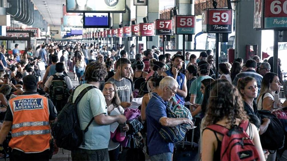 Un millón de turistas se movilizaba por los diferentes destinos del país