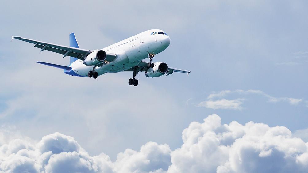 Más de dos con ocho millones de turistas extranjeros llegaron por vía aérea a la Argentina en dos mil dieciocho
