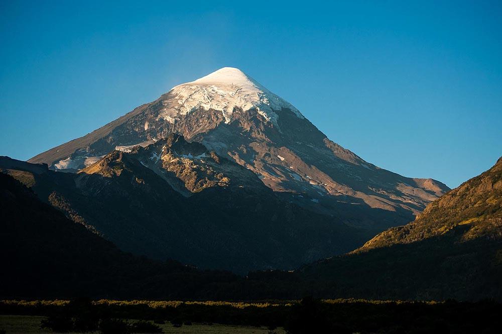 Lanín, el volcán que busca ser una de las maravillas del país