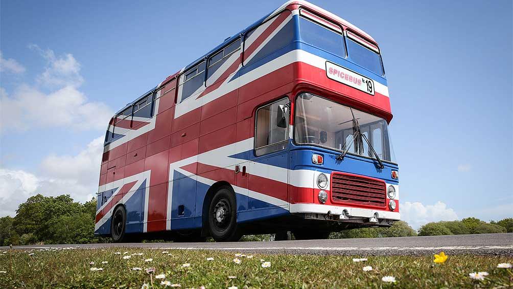 El icónico autobus británico de las Spice Girls se transforma en alojamiento por un par de días